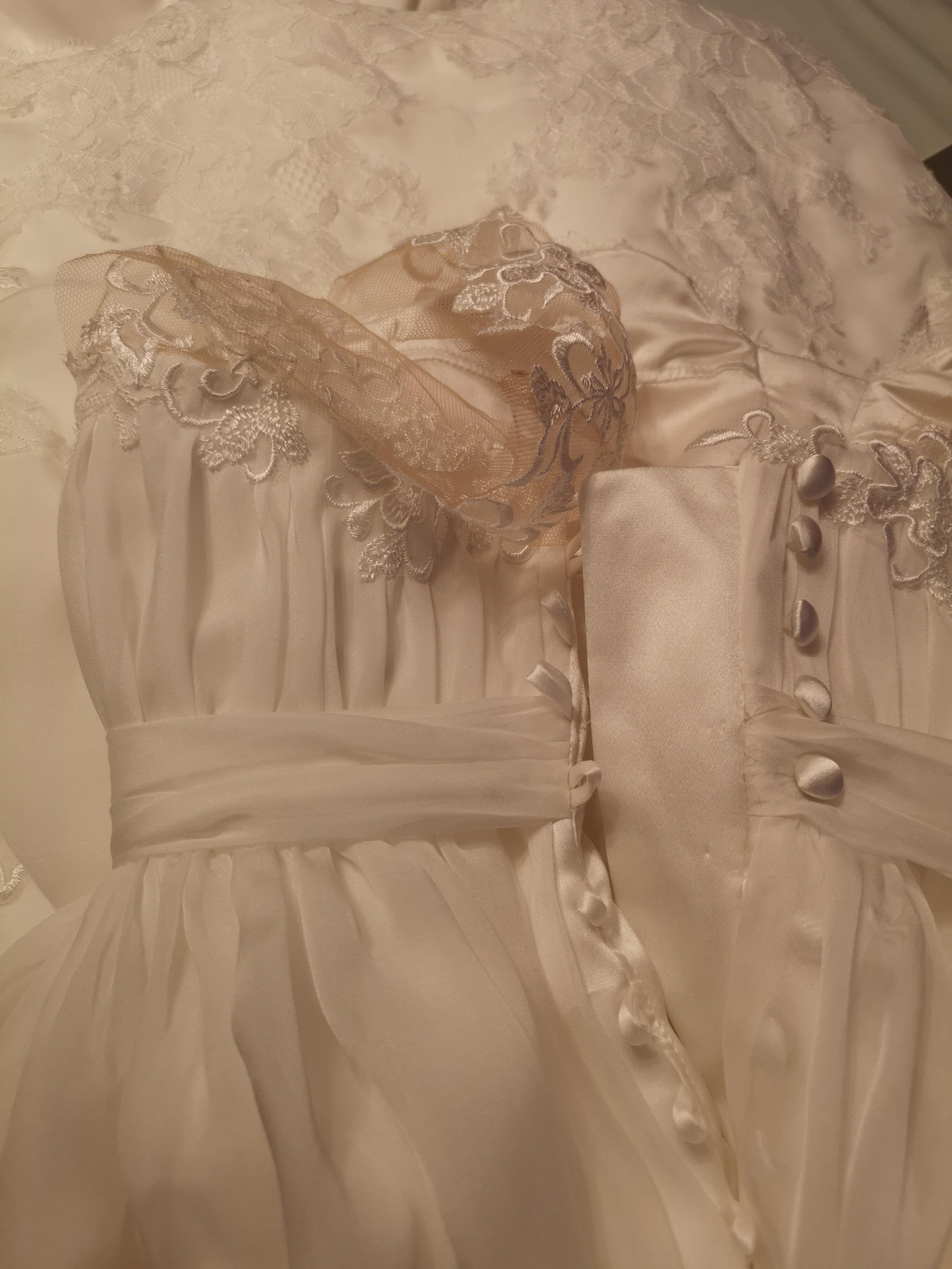 close up of beccas dress